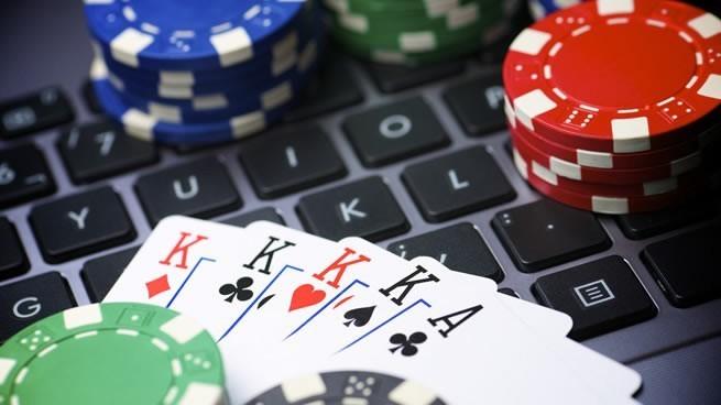 Como ganar dinero poker internet gambling tricks