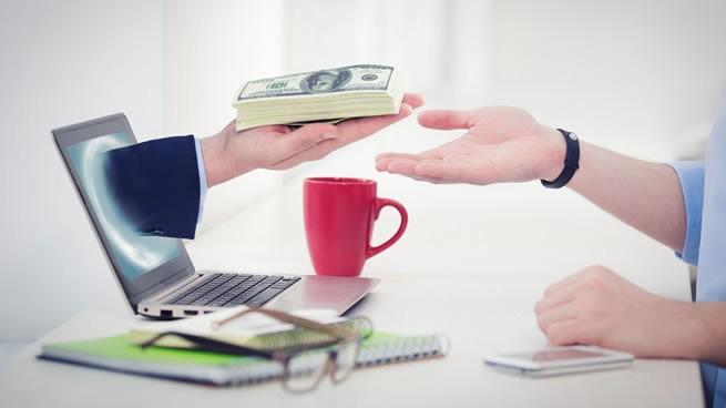 Cómo ganar dinero desde casa (15 formas sencillas) | CreceNegocios
