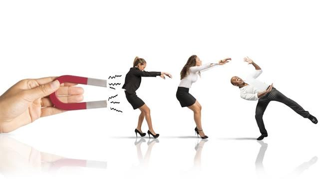 cómo atraer y retener clientes paso a paso