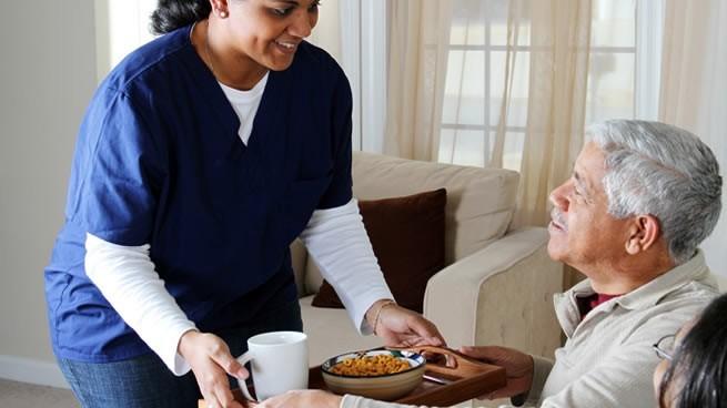 cuidado de adultos mayores a domicilio